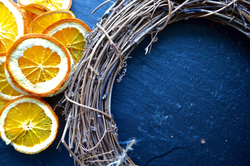 twine and table citrus wreath supplies
